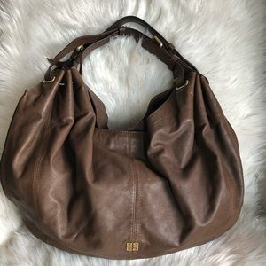 💯% Authentic Givenchy Hobo XL size bag